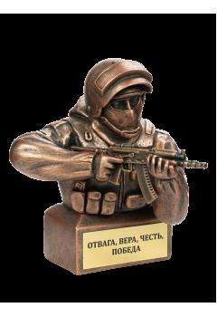 Боец спецназа с АКСУ