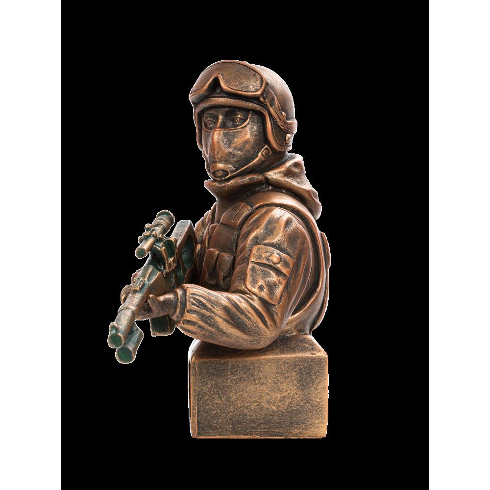 Боец спецназа с винторезом