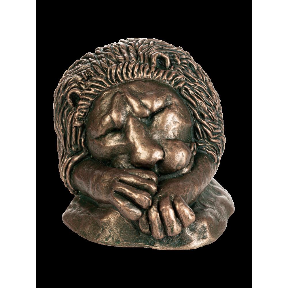 Статуэтка спящего льва