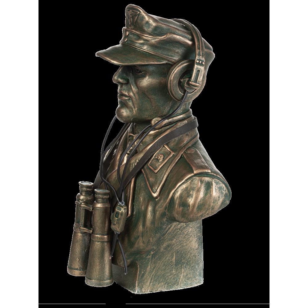 Бюст немецкого танкиста № 38
